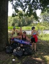 Młodzi kibice Miedzi Legnica sprzątali okolice Kaczawy [ZDJĘCIA]