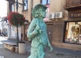 Na ulicach Olkusza pojawiły się pierwsze rzeźby gwarków