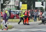Szarża głupoty kierowcy alfy romeo w Zielonej Górze. Mężczyzna ukradł paliwo po czym spowodował dwie kolizje i zaatakował policjantów