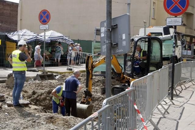 Kolejne utrudnienia w ruchu na grudziądzkich ulicach, a wszystko związane z przebudową trakcji tramwajowej w Grudziądzu