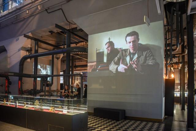 """Multimedialna wystawa """"Bez końca. Dialogi Krzysztofa Kieślowskiego"""" została otwarta w EC1 Łódź - Miasto Kultury. Ekspozycja będzie prezentowana do 12 września."""
