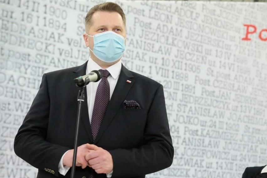 Minister Przemysław Czarnek ogłasza program wsparcia...