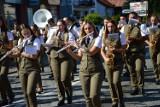 """Dobczyce. I Festiwal Orkiestr Dętych """"Krakowiacy i Górale"""" i parada ulicami miasta [ZDJĘCIA]"""