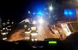 Mołdawianin zgubił lawetę z samochodami. Nocna akcja strażaków na DK 75