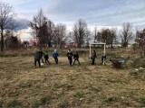Dzieci z osiedla Europejskiego w Gorzowie nie miały boiska... więc je sobie zrobiły!