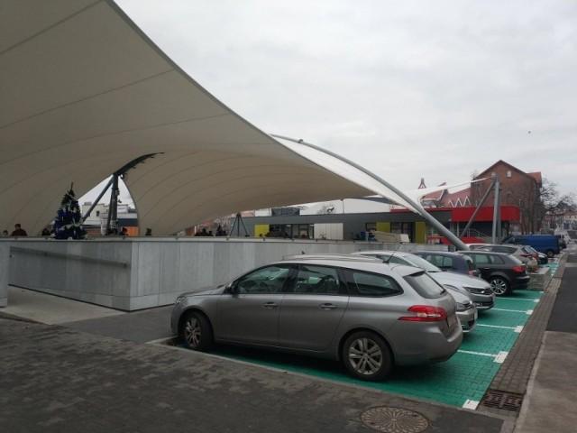 Urzędnicy polecają parkowanie na Zielonych Strefach oraz nowym parkingu w centrum miasta