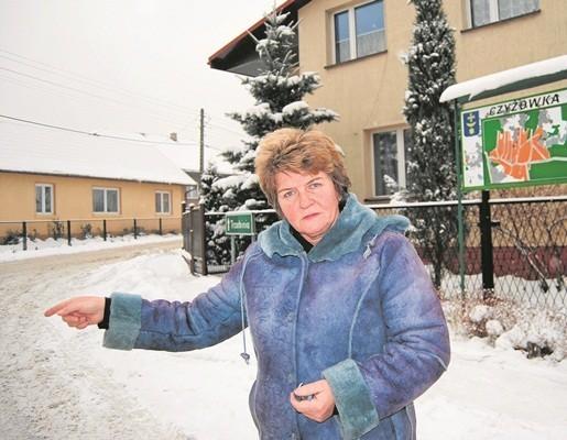 Halina Henc, sołtys Czyżówki zaznacza, że obwodnica jej wsi miała być gotowa w 2013 roku