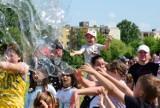 Tak mieszkańcy Inowrocławia bawili się na Festiwalu Baniek Mydlanych na Rąbinie. Zobaczcie zdjęcia