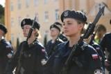 Ślubowanie nowych podchorążych Akademii Marynarki Wojennej w Gdyni. Uczelnia zainaugurowała nowy rok akademicki 2021/2022