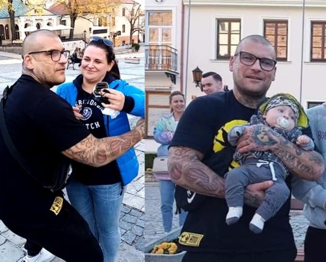 Popek z małym Bartusiem i mieszkanką Sandomierza, Agnieszką, która wylicytowała złotą Nokię, wpłaciła pieniądze na zbiórkę i przekazała telefon do ponownej licytacji.