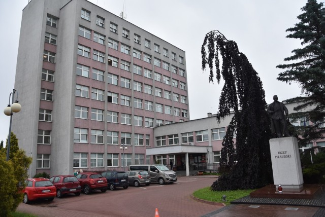 Na dyrektorze tarnowskiej delegatury kuratorium ciążą poważne zarzuty