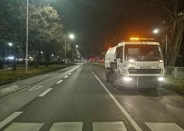 W czwartek wieczorem, 25 marca na ulice Kielc wyjadą zamiatarki.