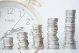 Średnia krajowa. Jak przeciętne wynagrodzenie w Polsce zmieniało się na przestrzeni lat?