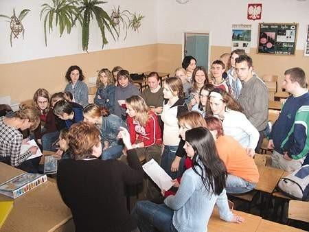 Młodzież zaczyna doceniać to, jak wiele się zyskuje bezinteresownie pomagając ludziom.  OLgierd gÓrny