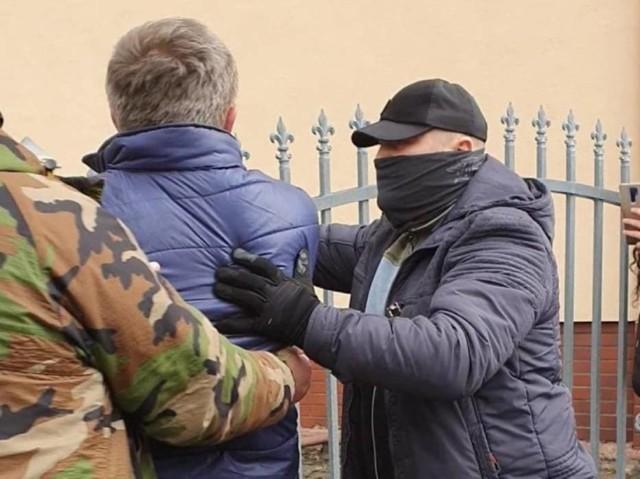 Mężczyzna został zatrzymany przez stowarzyszenie w Mysłowicach. Przekazano go w ręce policji.
