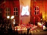Rocznica śmierci Papieża Jana Pawła II. Tak Szczecinek opłakiwał Ojca Świętego 16 lat temu [zdjęcia]
