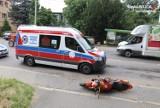 Jastrzębie: groźny wypadek na Pszczyńskiej. Samochód zderzył się z motocyklem. 32-latek trafił do szpitala