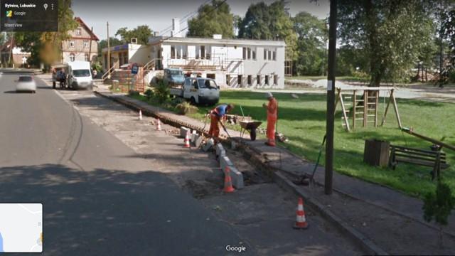 Zdjęcia mieszkańców gminy Bytnicy wykonane przez kamery Google Street View.