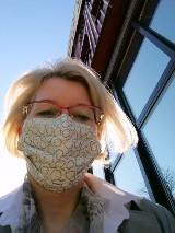 Maseczki ochronne ciągle obowiązkowe w sklepach i budynkach publicznych. Jak uszyć? Jak nosić?
