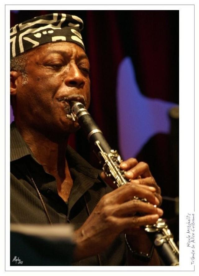 Projekt jest hołdem złożonym pamięci Alice Coltrane. Mwata Bowden tym razem zagrał na klarnecie. Fot. Andrzej Hajdasz