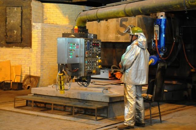 Większość dotychczasowych pracowników likwidowanej części surowcowej (wielkiego pieca, stalowni) w krakowskiej hucie ArcelorMittal Poland dostanie oferty pracy na innych stanowiskach zakładu w Krakowie lub w innych fabrykach koncernu