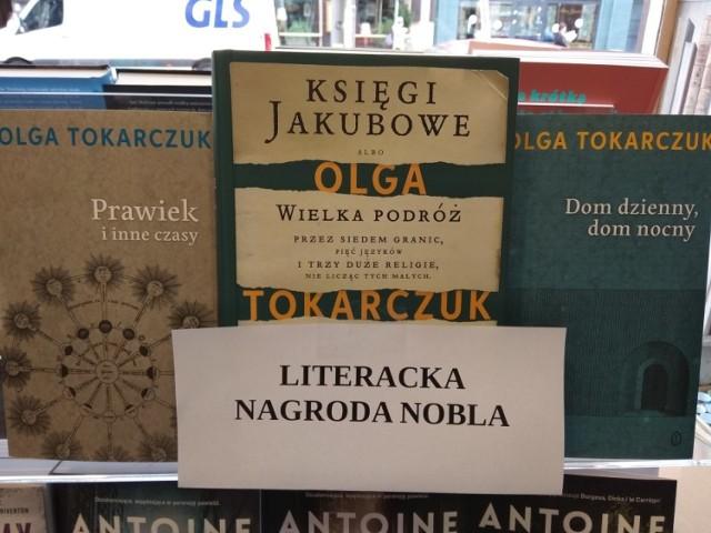 Książki Olgi Tokarczuk są rozchwytywane. Licealiście z Rydułtów zapraszają noblistkę do siebie.