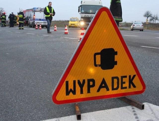 Do wypadku z udziałem motorowerzysty doszło w sobotę, 31 października, na DK 43 w Lgocie