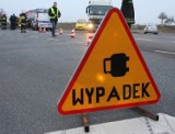 Poważny wypadek motorowerzysty w powiecie kłobuckim. 61-latek został przewieziony do szpitala