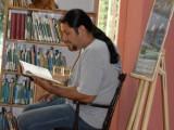 Tychy: Sebastian Riedel czytał dzieciom w bibliotece przy al. Niepodległości