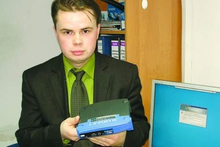Tomasz Hinz sprzedaje Petrusowi sieć internetową, którą sam zbudował. fot. mateusz węsierski