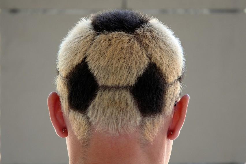 Fryzjer płakał, gdy strzygł. Najdziwniejsze fryzury w historii sportu. Te uczesania zapamiętamy na długo