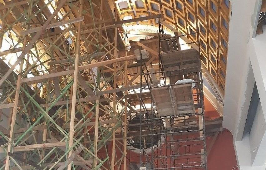 Na budowie nowego włoszczowskiego kościoła ruszyły prace w...