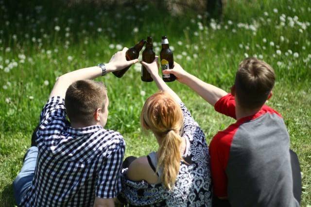 Pijaństwo to największy problem dla mieszkańców powiatu hajnowskiego i bielskiego