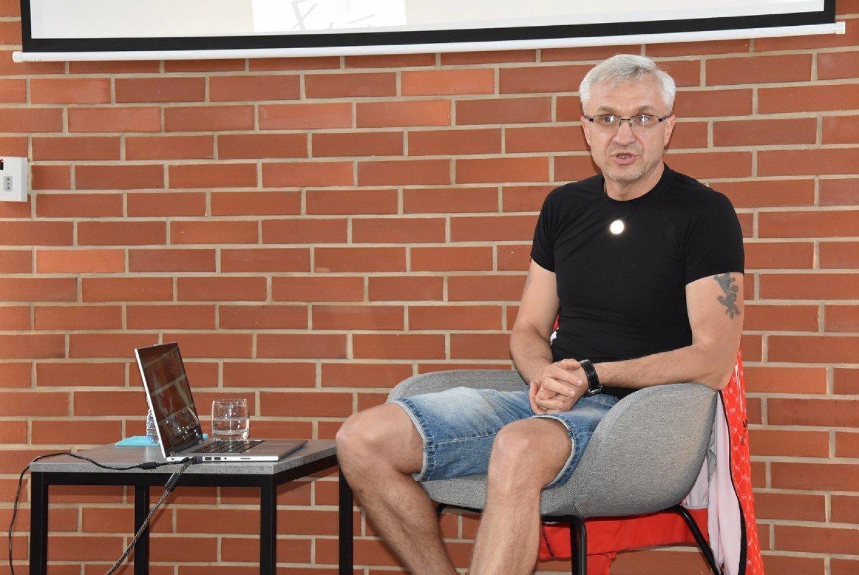 8b4910ee Spotkanie z ultramaratończykiem. Paweł Żuk jako pierwszy Polak pokonał bieg  na dystansie 1600 km ZDJĘCIA