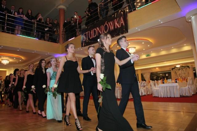Studniówki 2016 w Łodzi: II LO na balu w Yuce