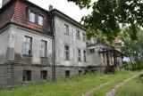 Neobarokowy pałac w Karczewie. Jak wygląda w środku?