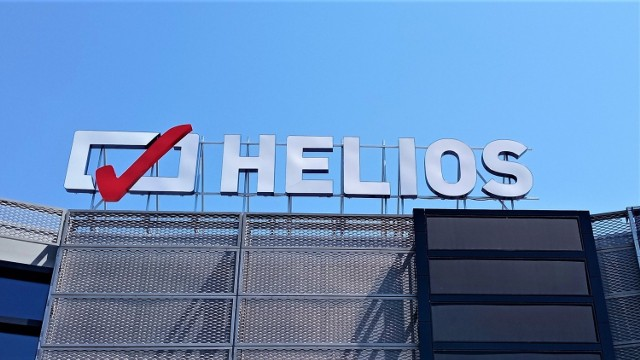 Zmasowany atak antyszczepionkowców w mediach społecznościowych spowodował, że sieć kin Helios zdecydowała się wycofać z pomysłu biletów dla zaszczepionych.