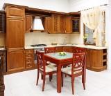 Drewno - praktyczny, wytrzymały i estetyczny materiał w aranżacji