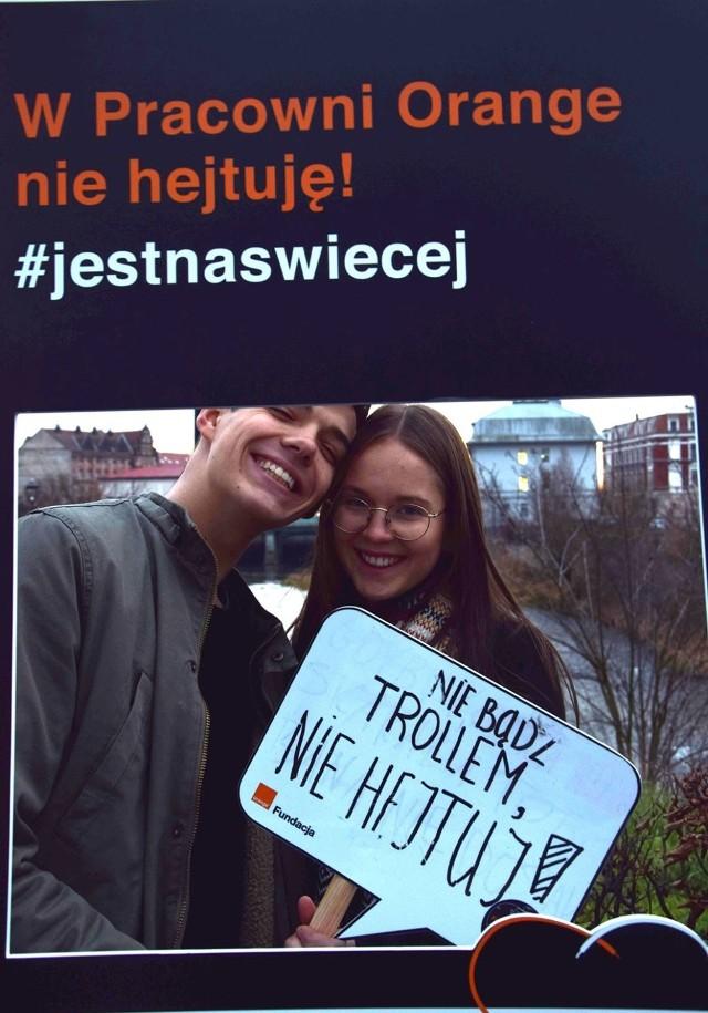Akcja przeciwko hejtowi w Gubinie: #jestnaswiecej