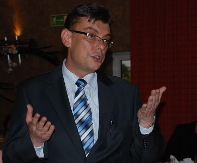 Burmistrz Andrzej Grzmielewicz będzie się musiał długo tłumaczyć z tego wyjazdu. I rozliczyć każdą wydaną złotówkę