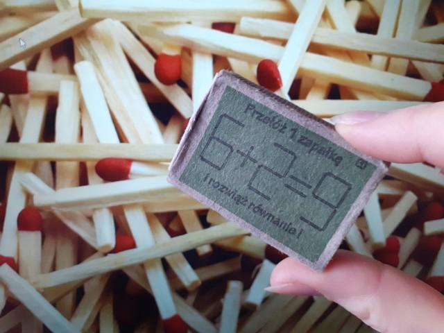 Macie w domu pudełko zapałek z charakterystycznymi zadaniami matematycznymi? One też zostały wyprodukowane w zakładzie produkcyjnym w Czechowicach-Dziedzicach.