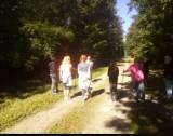Na spacer z kijkami do tuszyńskiego lasu po zdrowie