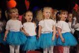 Dzień Babci i Dziadka 2019 w MDK w Radomsku. Koncert przedszkolaków z PP 2 [ZDJĘCIA, FILM]