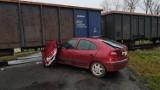 Wypadek na przejeździe kolejowym pod Legnicą [ZDJĘCIA]