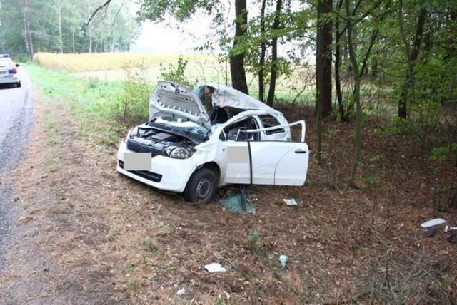 W wypadku skody na drodze Brańsk - Dołubowo został ranny 25-letni kierowca auta