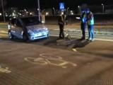 Potrącenie 82-latka na pasach przy ul. Skowrońskiego w Prudniku. Mężczyzna w szpitalu