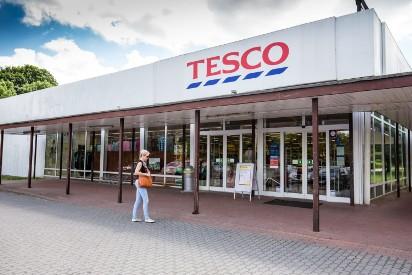 Jak będą czynne sklepy w Wielką Sobotę? Sprawdź godziny otwarcia sklepów sieci Biedronka, Lidl, Tesco, Carrefour , Netto, Żabka itp.