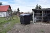 Opłata za wywóz śmieci na działkach w Pruszczu wzrosła drastycznie - mówi mieszkaniec. Nie segregują śmieci - odpowiada prezes