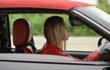 Zmiany w prawie drogowym. Kierowców czeka sporo nowości! Prawo jazdy on-line, rejestracja u dilera, zachowanie tablic...