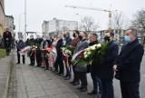 Narodowy Dzień Pamięci Żołnierzy Wyklętych. Kaliszanie uczcili bojowników pod murem kaliskiego więzienia ZDJĘCIA